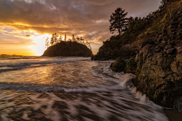 Rocky Beach Landscape at Sunset, Trinidad, California Fototapete