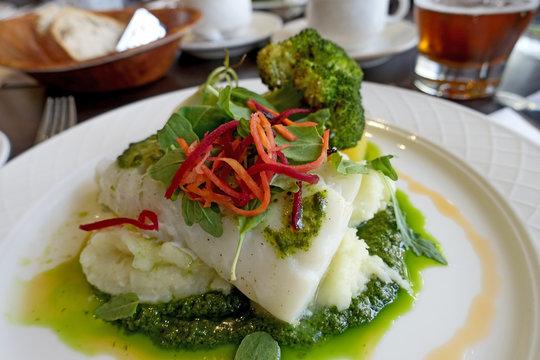 belle assiette de poisson