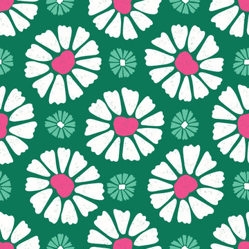 Bold  daisy flower bloom seamless pattern. Stylized 50s retro floral all over print. Pretty feminine fashion style. Trendy scrapbooking paper, wallpaper, garden stationery backdrop. Green, pink, white
