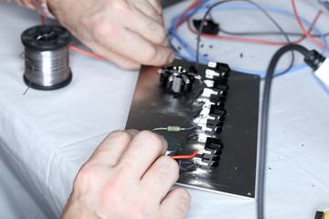 Kabel und Elektronik