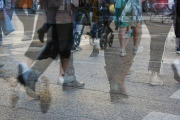 Gente caminando por una ciudad, foto 1, Madrid