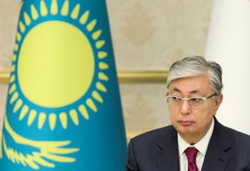 Kazakh president Tokayev attends a news conference with his Uzbek counterpart Mirziyoyev in Tashkent