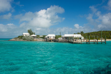 Caribbean, Bahamas, Exuma, little hotel on a caye in the turquoise waters