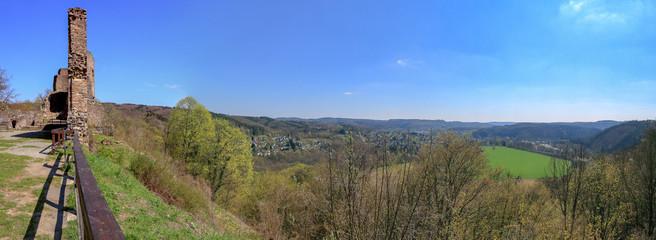 Ruine Windeck mit Panorama Aussicht in die alte Siegschleife