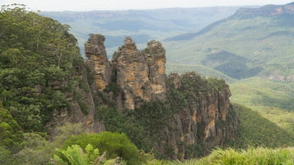 Famous Three sisters rock formation in The Blue Mountains NP, Australia.