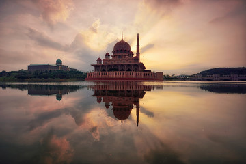 Wall Mural - Putrajaya mosque at sunrise