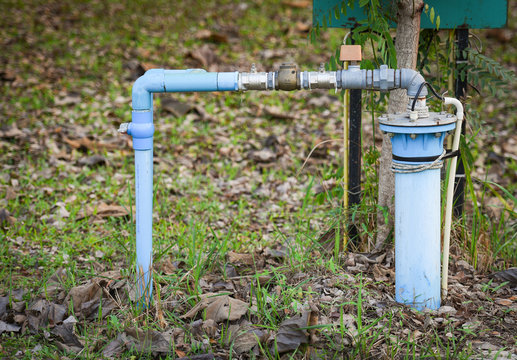 Groundwater well with pvc pipe and system electric deep well submersible pump water