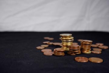 monete italiane posizioneìate a destra dell'immagine
