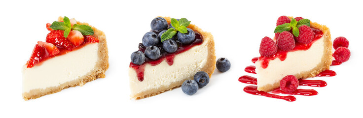 Set of cheesecakes with fresh berries and mint