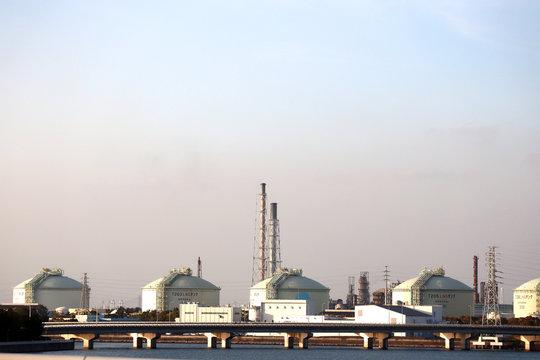 愛知県知多市のタンク群