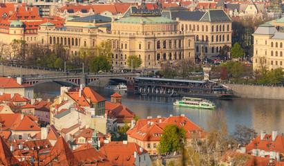 Stores à enrouleur Europe de l Est Rudolfinum Theater - Beautiful sunset light over Prague old town from Petrin hill