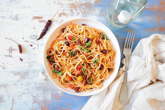 Traditional Itallian pasta spaghetti alla puttanesca.