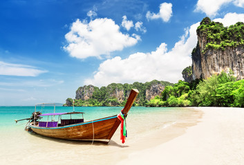 Fototapeta Thai traditional wooden longtail boat. obraz