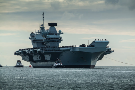 HMS Queen Elizabeth returning to Portsmouth from exercise Westlant18 on December the 10th, 2018
