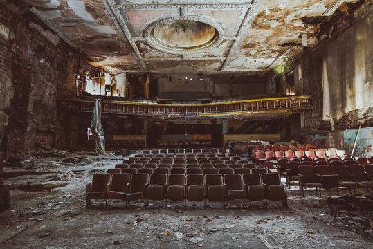 abandoned theatre America