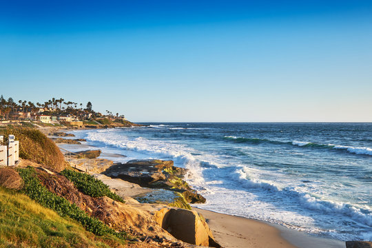 View South to Big Rock Reef from the coastal path along Windansea Beach, San Diego