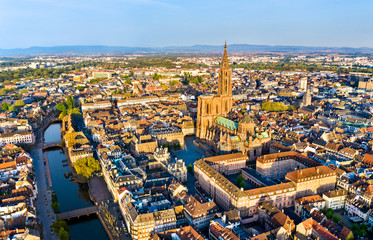 Aerial view of Strasbourg Cathedral in Alsace, France Fototapete