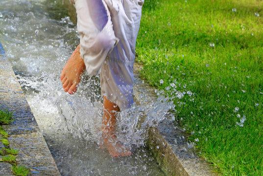 Wasser - Planschen - Füße - Spaß - FUN