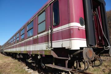 Waggons auf Abstellgleis, alte Eisenbahn, alter Zug