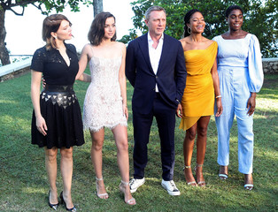 """Actors Lea Seydoux, Ana de Armas, Daniel Craig, Naomie Harris and Lashana Lynch pose for a picture during a photocall for the British spy franchise's 25th film set for release next year, titled """"Bond 25"""" in Oracabessa"""