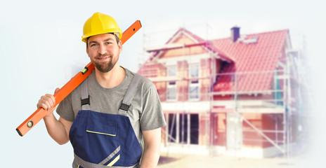 Bauarbeiter auf der Baustelle beim Hausbau ///// craftsman/ construction worker/ worker - repair and construction at home