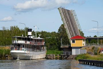 Ausflugsdampfer auf dem Götakanal