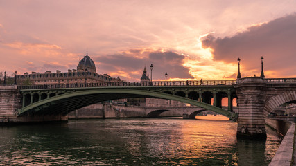 Fototapete - Beautiful Scenery in Paris, France (the City of Light)