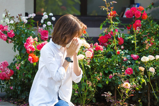 Girl with allergy to flowering