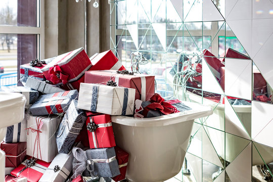 full bath of gifts in a luxury plumbing shop
