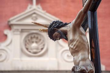 Fototapete - Jesús en la cruz, cristo de la hermandad de san Bernardo, semana santa de Sevilla