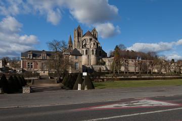 L'abbatiale de Saint-Leu-d'Esserent