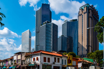 2019 March 1st., Singapore - View of the modern and old Chinese traditional buildings in the city. Fototapete