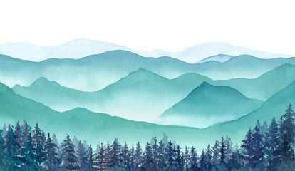 霧の山々の眺め