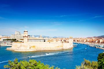 Fond de hotte en verre imprimé Piscine Scenic view of Fort Saint-Jean, Marseille, France