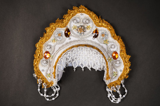 kokoshnik with pearls