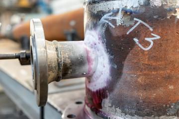 Test fillet welds by method dye penetrant control