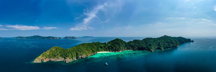 Obraz Aerial panorama of a small, beautiful tropical island (Mergui Archipelago) - fototapety do salonu