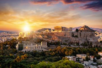 Fototapete - Sonnenuntergang über der Akropolis von Athen mit dem Parthenon Tempel über der Altstadt Plaka, Griechenland