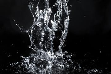 Fototapete - water splash black background backdrop fresh feeling