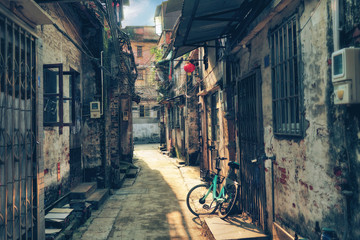 Spoed Foto op Canvas Smal steegje sunlit narrow street of Chinese hutong