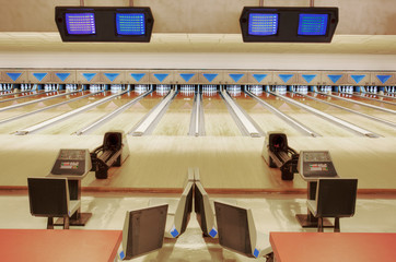 Empty lanes in bowling alley