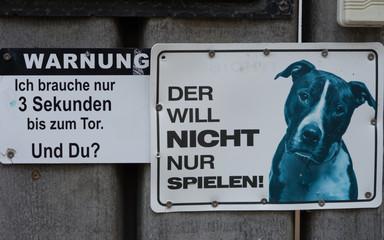 """Lustiges Warnschild """"Warnung vor dem Hund"""""""