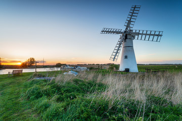 Wall Mural - Sunset at Thurne Windmill