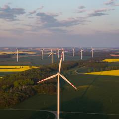 Energia odnawialna- elektrownia wiatrowa