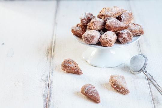 Mutzenmandeln, traditional Rhenish carnival cookies