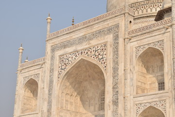 Detail close up picture of beautiful mausoleum Taj mahal in Agra India Fototapete
