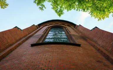 St Joseph Kirche mit Kirchenfenster