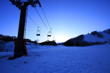 Fotobehang Schip 冬 リフト 雪山