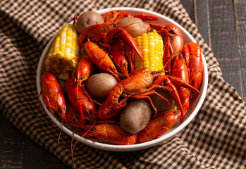 A Crawfish Boil with Corn on the Cob and Potatoes Fotomurales