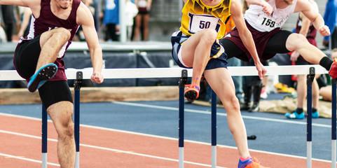 Lamas personalizadas de deportes con tu foto Three runners racing the hurdles indoors